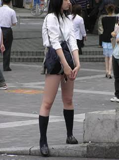 sokmil 女子高生 超ミニ プリ尻JK ~下尻丸見え超ミニスカートのムチ尻女子校生3人組~